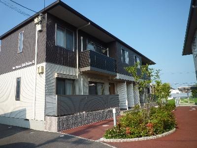 庄町の閑静な住宅街に設備充実の新築ができました!!